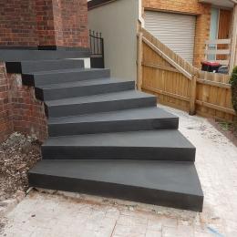 Domestic_bluestone_paving_and_bluestone_steps_(2)