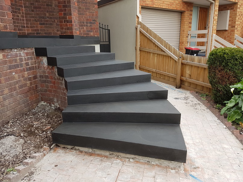 Domestic_bluestone_paving_and_bluestone_steps_2-1